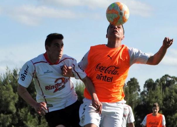 Juveniles ante la Selección uruguaya
